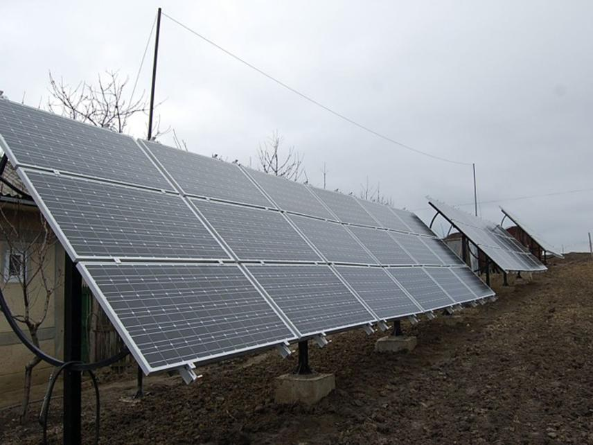 nisporeni panouri solare